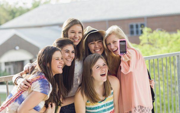 ¿Por qué se hacen tantos selfies los adolescentes?